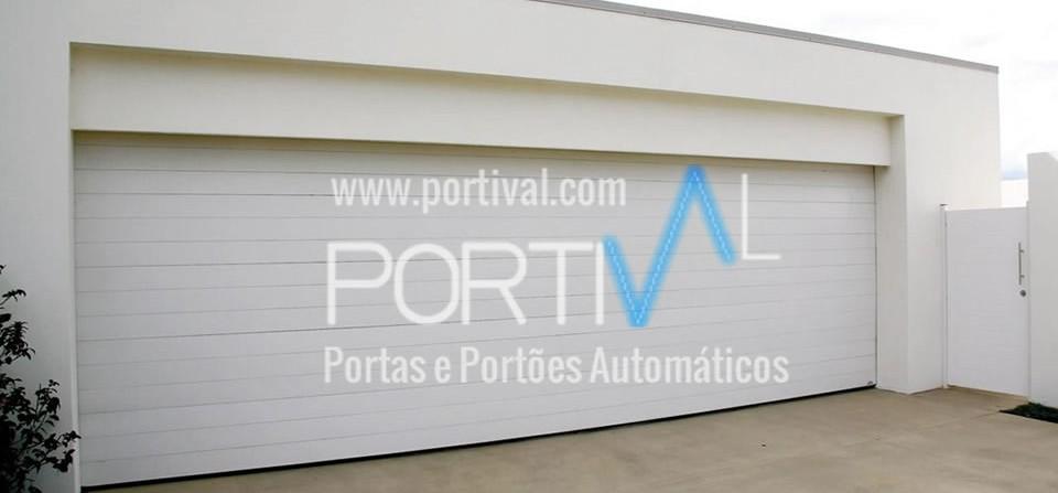 Portões Seccionados automáticos com injecção a poliuretano